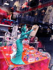Statue of Liberty Taking Photo With Selfie Stick Cell Phone 0006 (Brechtbug) Tags: green statue liberty taking photo with selfie stick cell phone now strange dog included kitsch giftshop gift lady torch standee store sidewalk nyc 2017 new york city 7th ave toga french sculpture metal crown west side midtown manhattan avenues tablet july 4th 1776 woman lobby figure 01102017 art camp good sign