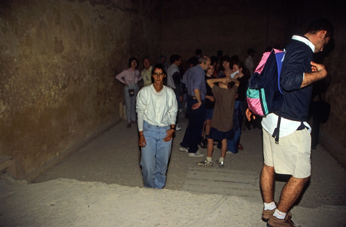 "Ägypten 1999 (643) Kairo: In der Chephren-Pyramide, Gizeh • <a style=""font-size:0.8em;"" href=""http://www.flickr.com/photos/69570948@N04/32464360065/"" target=""_blank"">View on Flickr</a>"