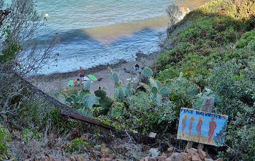 Corniche de l' Esterel, plage naturiste du Cap Roux