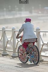 Biker outfit (danielfi) Tags: beach bike asturias playa salinas ciclista bici asturies