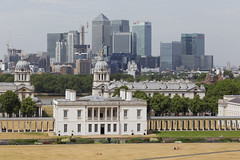 London - Greenwich Park (Michael.Kemper) Tags: park uk england house london skyline museum canon john eos cityscape britain united greenwich great christopher royal kingdom queens observatory national maritime wharf gb docklands wren canary usm zero 70200 ef meridian 6d flamsteed vereinigtes knigreich f4l nullmeridian canonef70200f4lusm grosbritannien canoneos6d