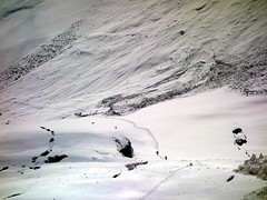 """Figures on the trail across the Frying Pan, with avalanches behind • <a style=""""font-size:0.8em;"""" href=""""http://www.flickr.com/photos/41849531@N04/20430591646/"""" target=""""_blank"""">View on Flickr</a>"""