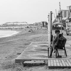 Barcelona Blues (insider-fototour) Tags: worldstreetphotography blackwhite bw souls faces moments decisivemoment creativecommons flickr flickriver explore portrait scene strassenfotografie fotografie citysnap sw streetfotografie fotoreise exposure cityscape urbanlandscape urbanes fotoworkshop carolaschmitt