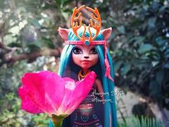 (Linayum) Tags: isidawndancer mh monster monsterhigh flower flor rose mattel doll dolls muñecas toys juguetes linayum