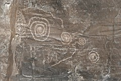 Petroglyphs / Chaco Culture NHP (Ron Wolf) Tags: anasazi anthropology archaeology chacoculturenationalhistoricalpark chacoan nationalpark nativeamerican puebloan meanderingline petroglyph rockart spiral newmexico