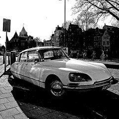 Citroën DS, Amsterdam (pom.angers) Tags: panasonicdmctz10 2011 march ds citroënds car vintagecar amsterdam netherlands europeanunion 100 5000