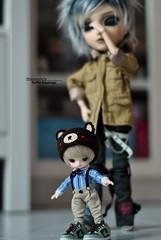 """""""Look! I'm a big boy, like daddy!"""" (·Yuffie Kisaragi·) Tags: doll dolls taeyang horizon custom akai arashi caim little dal rooster viggo obitsu rewigged rechipped"""