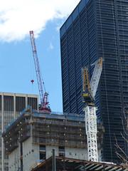 Three World Trade Center (skumroffe) Tags: nyc newyorkcity usa newyork construction unitedstates crane worldtradecenter baustelle cranes wtc grua kran grue bygge kraan krane lomma towercrane lyftkran potain favellefavco turmdrehkran torenkraan turmkran rogersons gruatorre byggkran 3wtc threeworldtradecenter tornkran mr418 175greenwichstreet grueatour favellefavcom760d potainmr418