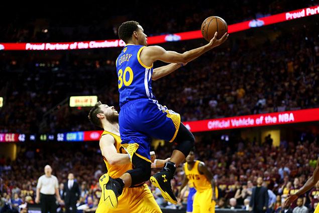 556889497CH00121_2015_NBA_F