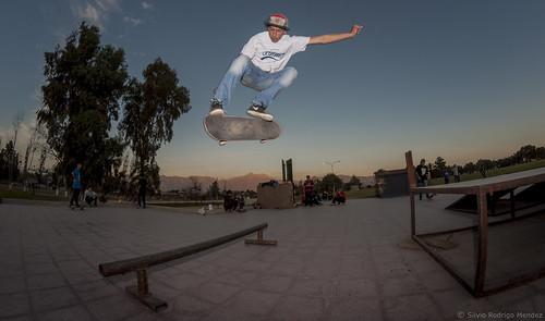 Victor Fuenzalida - Kickflip Backside