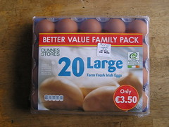 Dunnes 20 Large Farm Fresh hen eggs 03082015 €3.50 11-03-2015 (Lord Inquisitor) Tags: eggs hen dunnes eggcarton eggtray heneggs