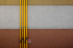 ►◄ (pamo67) Tags: colors lines yellow wall 4 tubes plaster gas bands giallo division warnings colori valves fasce tubi linee eavesdropping intonaco avviso valvole divisione intercettazioni avvertenze pamo67 pasqualemozzillo
