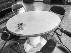 36/365 (Daegeon Shin) Tags: iphone i6s cellphone chairs table cup emptychair silla sillavacía 365 bw emptyness vacío 아이폰 휴대폰 탁자 의자 빈의자 흑백 컵
