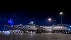 Air France B777-300 SkyTeam (360 Photography) Tags: night plane airplane airport ramp gate montreal aviation boeing 55 777 dorval avion airfrance yul 2015 b777 aeronautique skyteam 080615 mathieupouliot fgznn af349
