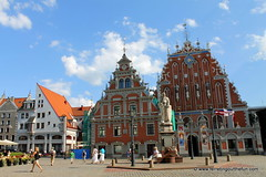 House of the Blackheads, Riga, Latvia (Ferreting Out the Fun) Tags: history architecture outside europe medieval latvia oldtown riga guilds blackheads