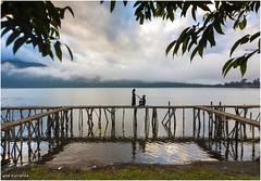 Dermaga Cinta (Gde Muriarka) Tags: bali canon foto canon5d indah berdua gde danau beratan bedugul preweding muriarka gdetha gdemuriarka