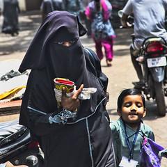 HL8A1605 (deepchi1) Tags: india muslim hijab bombay mumbai niqab