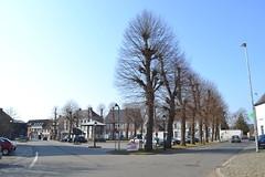Dorpsplein, Moerzeke (Erf-goed.be) Tags: dorpsplein dorpsgezicht moerzeke hamme archeonet geotagged geo:lon=41529 geo:lat=51063 oostvlaanderen