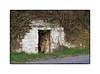 Troglodyte (MOINELE) Tags: cadre bordure nature cabane troglodyte pierre
