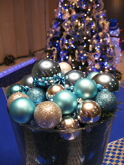 Basket of Christmas Beauty (Puzzler4879) Tags: christmas ornaments christmasornaments christmasdecorations blue noel christmastreeornaments christmasballs lobbydecorations seaislelobbychristmasdecorations2016 a580 canona580 canonpowershota580 powershota580 canonphotography canonaseries canonpointandshootcameras pointandshootcameras canon