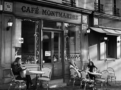 Café à Montmartre (rfigueiredo75) Tags: blackwhite montmartre paris streetpassionaward street