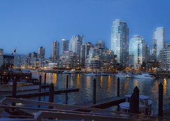 (bluechromis1) Tags: canont3i canonefs1855 vancouverbc winter city urban canada
