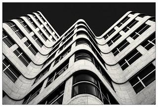 Linien und Kurven – Lines and curves
