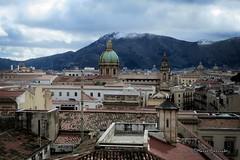 Palermo: Tetti... (Mario Pellerito) Tags: canon ixus 255hs palermo palerme sicilia sicilie sicily italia italy italie tetti roof roofs mario pellerito mariopellerito art neve cupola cupole tetto tegole canali