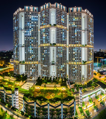 skyville@dawson (jaywu429) Tags: sony sky singapore skyline sonya7r sonycamera sony1635mmf4 singaporeriver nightscape landscape architecture skyvilledawson skyville lights burning hdb queenstown urban explore inexplore