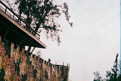 F1030035_lr (chi.ilpleut) Tags: kinmen taiwan island quemoy 2017 chinesenewyear lunar film expiredfilm kodakelitechrome100 iso100 crossprocessing 135mm 35mm analogue ilovefilms kodakfilm 底片 過期底片 柯達 記憶 蹤跡 金門鎏金之島kinmen 台灣 海島 島嶼 外島 回憶 走春 大晴天拍照天 晃晃 隨拍 我不在,就在去海邊的路上 海景 outing 冬陽 暖暖 暖陽 思念 漫步