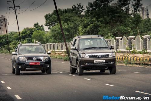 2015-Mahindra-XUV500-vs-Skoda-Yeti-vs-Tata-Safari-Storme-vs-Renault-Duster-AWD-10