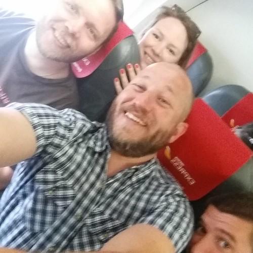 På väg till Mexico City och #wikimania. John är med men sitter på andra sidan gången.