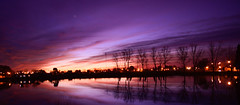 Atardecer Lago Guemes (Mery Legarreta) Tags: argentina lago atardecer noche agua rosas violeta lateafternoon azules fimdatarde cieloatardecer cielodecolores azulbuenosaires lagoguemes