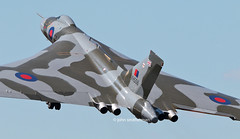 XH558 AVRO VULCAN (john smitherman-http://canaviaaviationphotography.) Tags: plane airplane fly aviation flight vulcan flughafen bomber raf avro flug raffairford xh558 avrovulcan riat2015