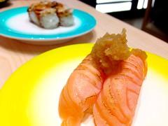 Aburi salmon from Ryoshi Sushi Ikeikemaru in Westgate (Rachel Toh) Tags: sushi japanese raw rice salmon fresh seafood