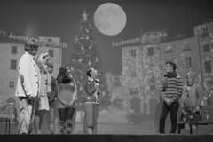 17704 - Pinocchio e la Luna (Diego Rosato) Tags: pinocchio spettacolo show theater teatro nikon d700 85mm rawtherapee bianconero blackwhite canzone song musical luna moon