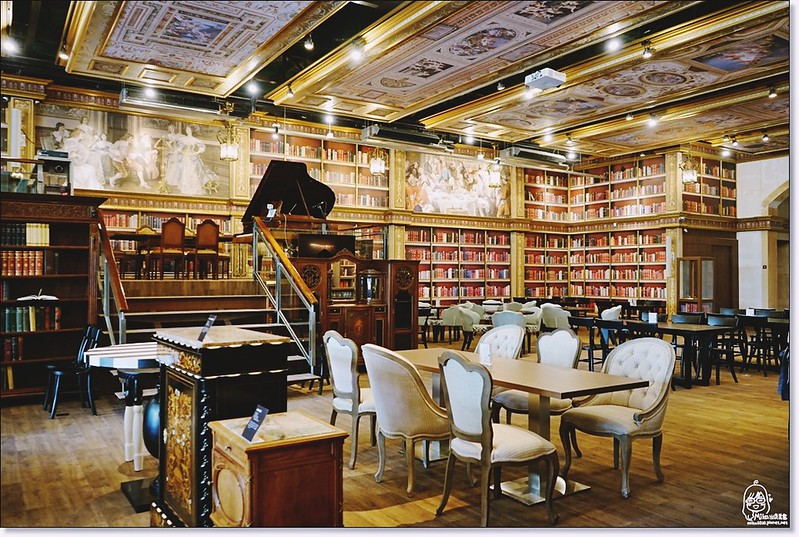31678301314 6fd6658289 c - 『熱血採訪』台中東區 CUCLOS Cafe & Kitchen 馥樂詩輕食餐廳/新天地西洋博物館-一起走入文藝復興時期的古典歐洲之旅,造訪台中最美麗古典優雅的圖書館餐廳