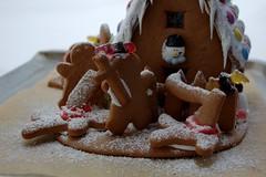 Attack of the gingerbread zombies (X) (dididumm) Tags: gingerbreadhouse gingerbreadzombies winter snow christmas baking homemade selbstgemacht backen gebäck weihnachten schnee lebkuchenhaus lebkuchen lebkuchenzombies