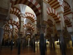 Mezquita-Catedral de Córdoba (Kvnivek) Tags: españa spain church mezquitacatedral mezquita catedral córdoba andalucía andalusia arches