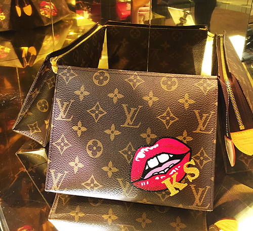 Badge Lips red Louis Vuitton wash bag ks