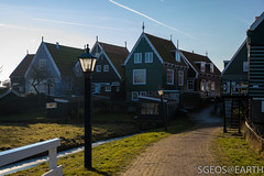 20170121-IMG_2456 (SGEOS@EARTH) Tags: marken holland zuiderzee ijsselmeer water sun lucht sky vuurtoren lighthouse winter canon