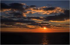 Sunset over the Severn Sea / Machlud uwchlaw Môr Hafren (ianwhdavies@btinternet.com10) Tags: devon coast southerndown môr hafren glamorgan heritage arfordir treftadaeth morgannwg atlantic ocean bristol channel severn sea dyfnaint