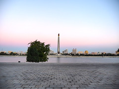 PA170412 (Xtra83) Tags: juche tower jucheturm chuch'e northkorea nordkorea dprk pjöngjang pyongyang juchetower 평양직할시 북한한국