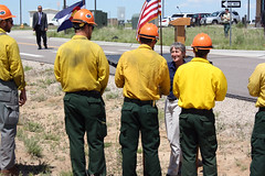 Secretary Jewel greeting Wildland Firefighters (USFWS Mountain Prairie) Tags: nature fire wildlife conservation secretary agriculture usfws refuge wildfire fws usfishandwildlifeservice secretaryoftheinterior region6 usdepartmentoftheinterior rockymountainarsenalnationalwildliferefuge firemanagement usfishwildlifeservice rockymountainarsenalnationalwildliferefugefishingfrenzyusfws secretaryjewell