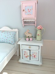 Sweet dreams (*Joyful Girl ♥ Gypsy Heart *) Tags: bunny toy miniatures furniture handmade custom 112 dollhouse shabbychic roombox joyfulgirlgypsyheart lovejoybears