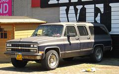 1977 Chevrolet Suburban V8 (rvandermaar) Tags: 1977 chevrolet suburban v8 chevroletsuburban sidecode3 import 78ya49 rvdm