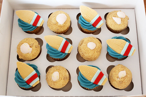 Beach Surfing Cupcakes