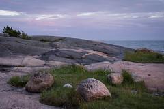 blue summer hour┃DSC5316 (Anne Kaihola) Tags: summer sky seascape sunshine stone suomi finland daytime kivi taivas inkoo auringonpaiste kopparnäs merimaisema nikond610 annekaihola