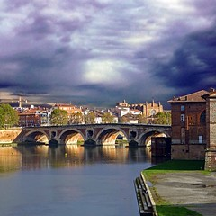 Toulouse, France (pom'.) Tags: panasonicdmctz30 2012 october toulouse hautegaronne 31 occitanie france europeanunion bridge 200 100 150 5000 300