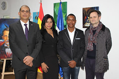 "Inauguración de la exposición ""Tierra Tricolor"" de Julio Reyes • <a style=""font-size:0.8em;"" href=""http://www.flickr.com/photos/136092263@N07/31714608534/"" target=""_blank"">View on Flickr</a>"